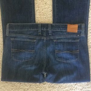 Lucky Brand jeans Sz 10/30 W 33 x 32 Charlie boot
